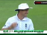 Funny: Strauss smashes his sunglasses (Oval)